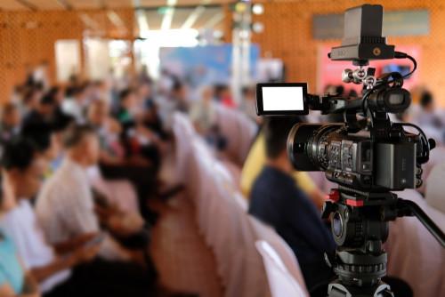 Faire filmer conference a paris - agence audiovisuelle