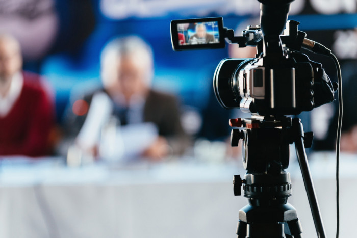 Faire filmer live facebook pour entreprise